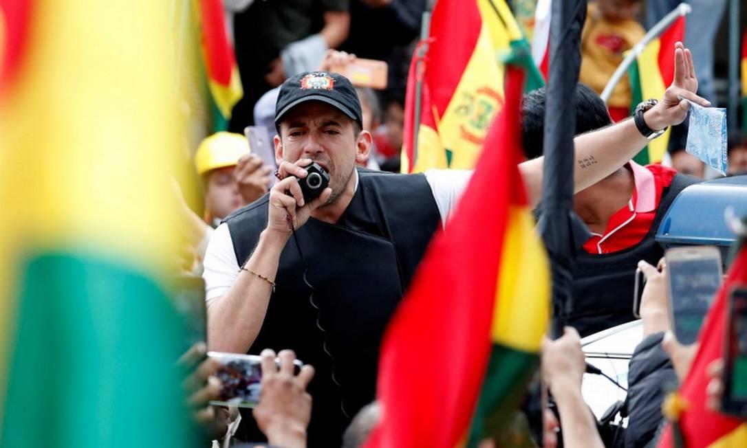 Luis Fernando Camacho discursa em La Paz no dia 10 de novembro Foto: CARLOS GARCIA RAWLINS / REUTERS