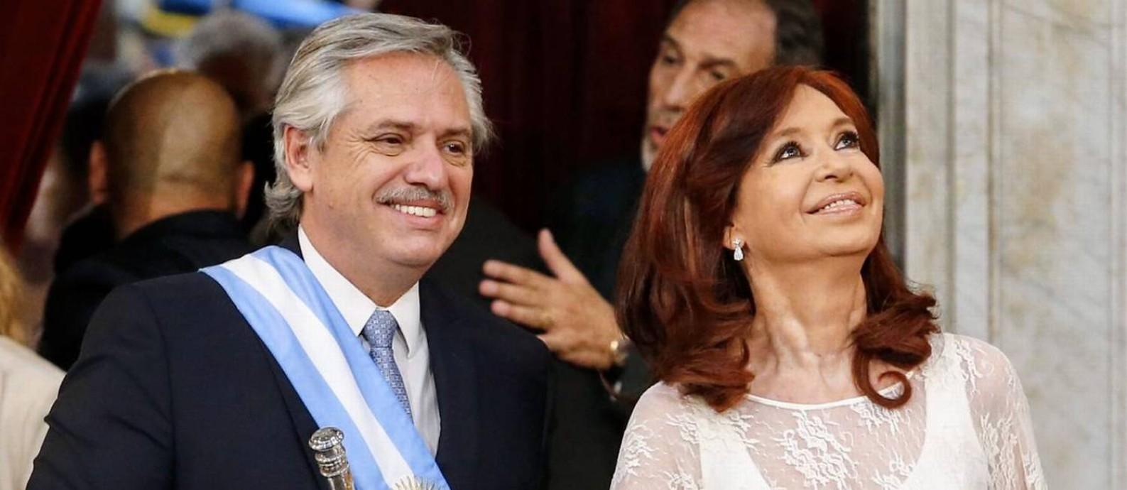 Fernández ao tomar posse, ao lado da vice Cristina Kirchner: reforma da Justiça Foto: Divulgação