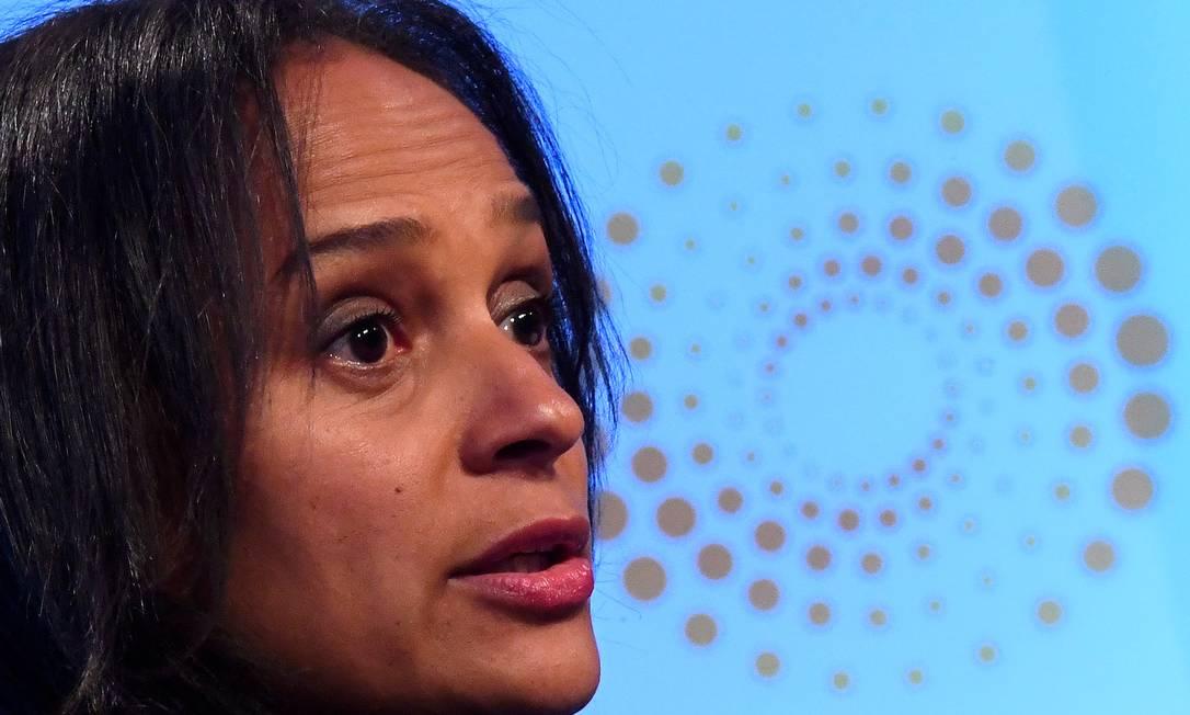 Isabel dos Santos, ex-presidente da Sonangol, fala durante um evento da Reuters em Londres, Grã-Bretanha, em 18 de outubro de 2017 Foto: Toby Melville / REUTERS