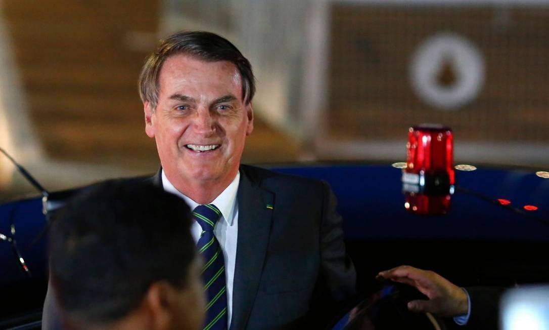 O presidente Jair Bolsonaro chega ao Palácio da Alvorada no dia 8 de janeiro Foto: SERGIO LIMA / AFP 8-1-20