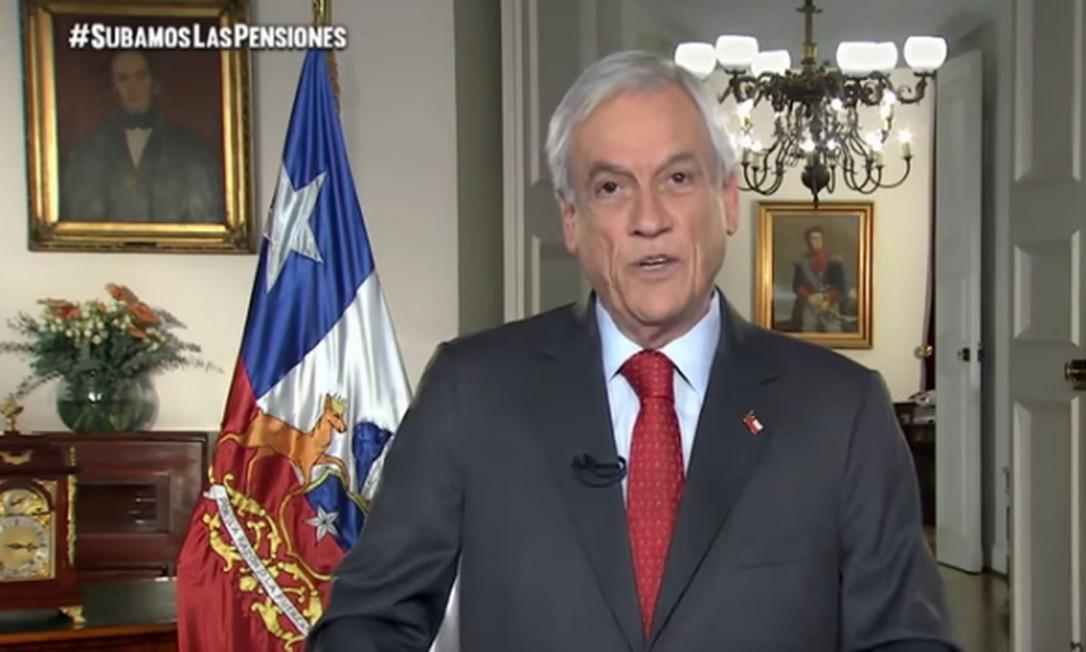 O presidente do Chile, Sebastián Piñera, em pronunciamento na noite desta quarta-feira Foto: Reprodução