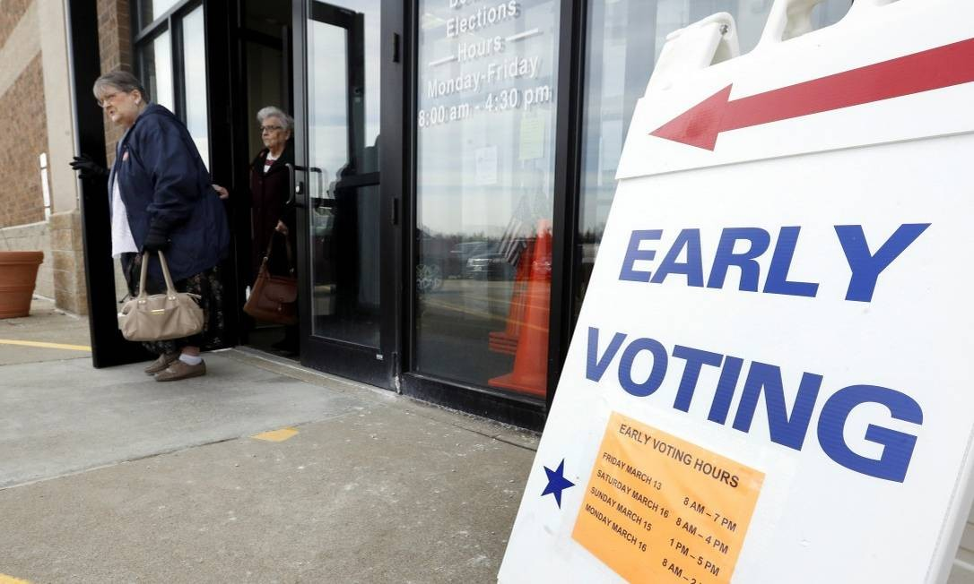 Eleitores foram às urnas antecipadamente em Ohio, um dos quatro estados com prévias hoje : governador entra com recurso para adiar votação Foto: AARON JOSEFCZYK / REUTERS