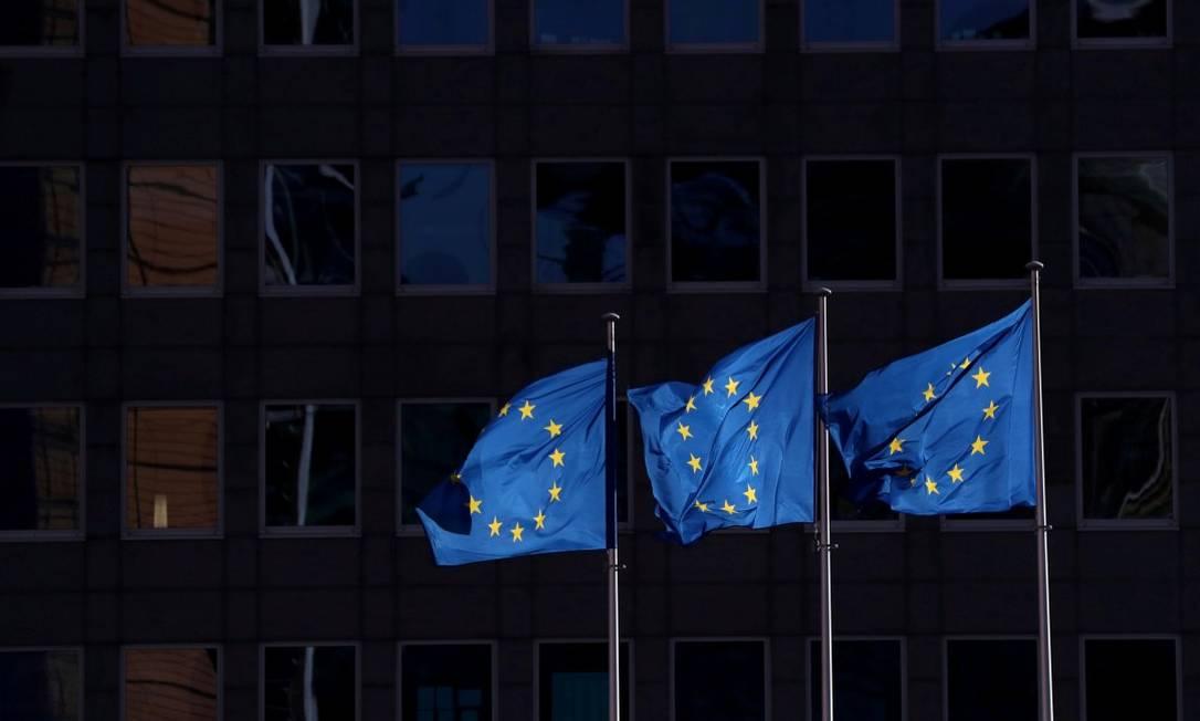 Bandeiras da União Europeia em Bruxelas Foto: Yves Herman / REUTERS