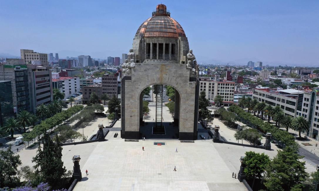 Monumento da Revolução, na Cidade do México Foto: ALFREDO ESTRELLA / AFP