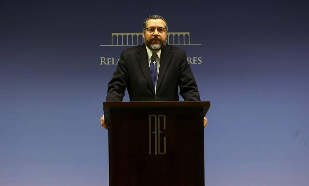 O ministro das Relações Exteriores, Ernesto Araújo,que rebateu nesta sexta-feira artigo publicado pelo GLOBO e por outros jornais Foto: Marcelo Camargo / Agência Brasil
