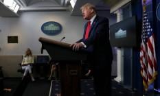 O presidente dos EUA, Donald Trump, em entrevista nesta sexta-feira Foto: LEAH MILLIS / REUTERS