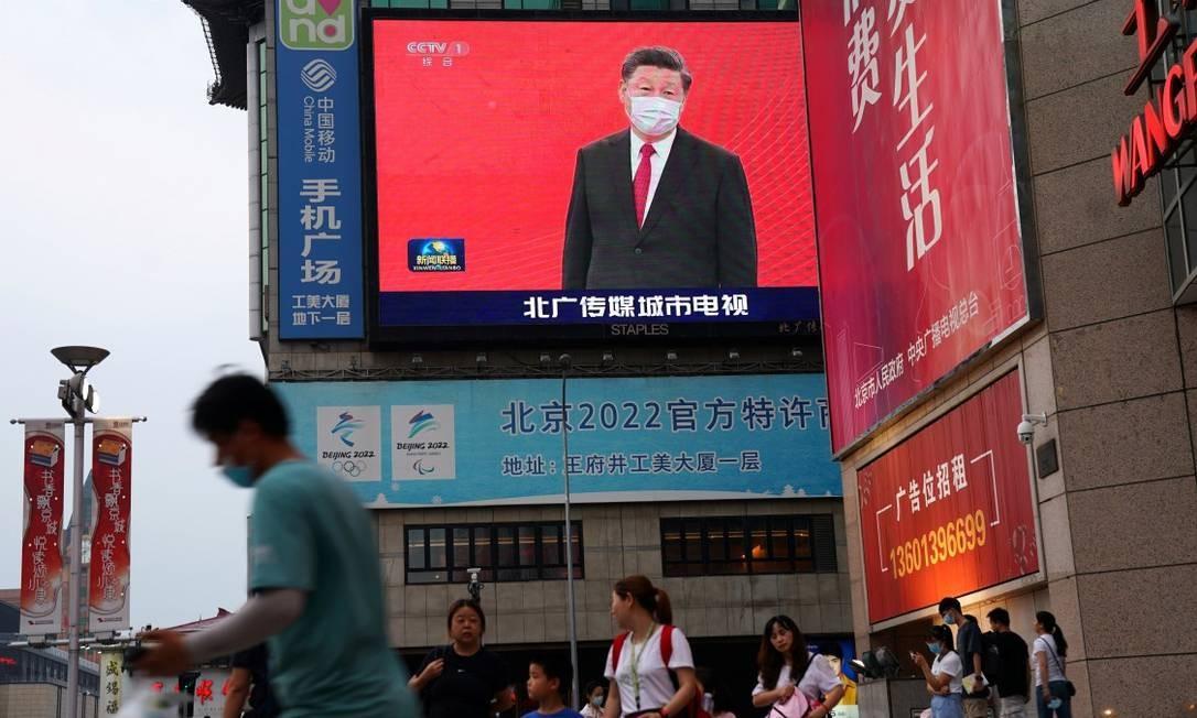 Imagem do presidente da China, Xi Jinping, em uma área comercial de Pequim Foto: TINGSHU WANG / REUTERS