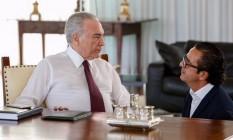 O ex-presidente Michel Temer e o marqueteiro Elsinho Mouco no Palácio do Planalto em 2018 Foto: Marcos Corrêa / Presidência da República 27-4-18