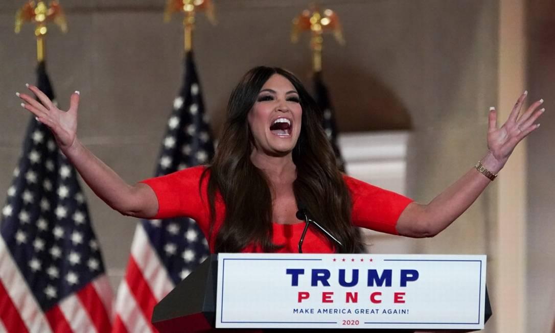 Kimberly Guilfoyle, conselheira sênior da campanha e namorada de Donald Trump Jr., que discursou aos berros na Convenção Republicana Foto: KEVIN LAMARQUE / REUTERS
