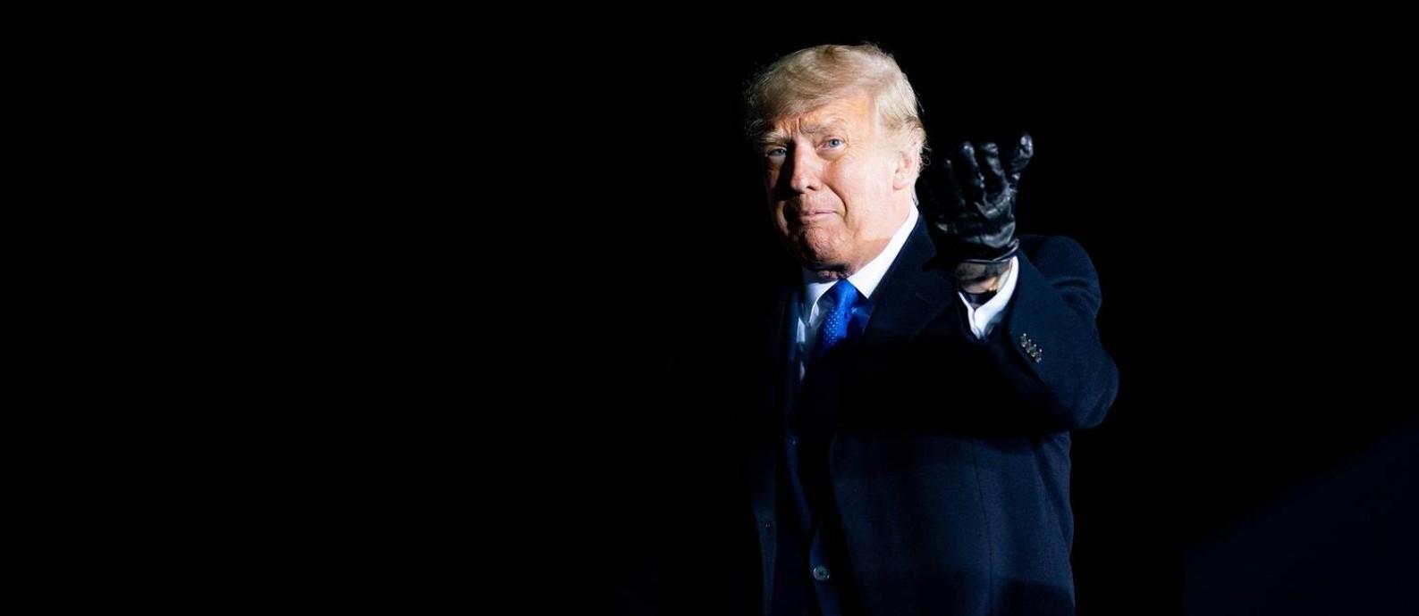O presidente dos Estados Unidos em um comício em no aeroporto de Waukesha, no Wisconsin, no dia 24 de outubro Foto: ANNA MONEYMAKER / NYT 24-10-20