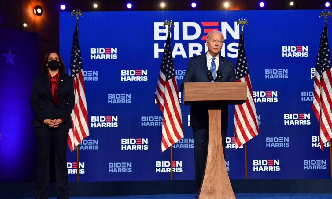 Os candidatos democratas na disputa presidencial de 2020, a senadora Kamala Harris e o ex-vice-presidente Joe Biden Foto: ANGELA WEISS / AFP