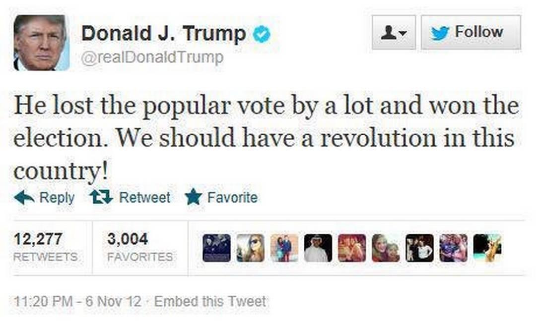 """Primeira mensagem com uma ameaça de violência postada por Trump no Twitter, em 6 de novembro de 2012: """"Ele perdeu o voto popular de lavada e venceu a eleição. Nós deveríamos ter uma revolução neste país!"""", escreveu, mentindo sobre o resultado da disputa entre Barack Obama e Mitt Romney Foto: Reprodução"""