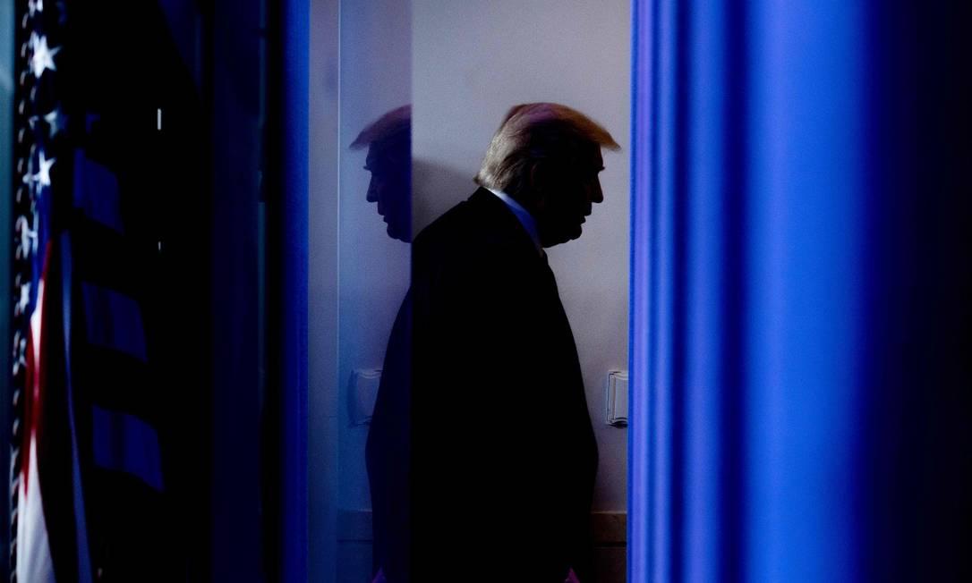 O presidente dos Estados Unidos, Donald Trump, após uma entrevista coletiva em abril de 2020: futuro muito incerto Foto: Jim Watson / AFP