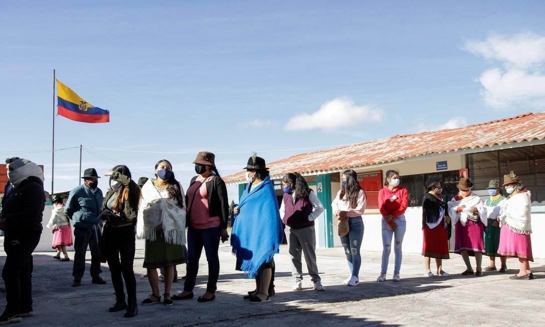 Equatorianos fazem fila para votar em Olmedo Foto: STRINGER / REUTERS