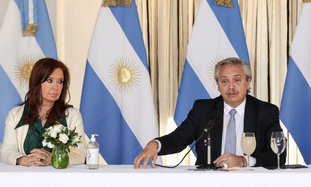 O presidente da Argentina, Alberto Fernández, ao lado de sua vice, Cristina Kirchner Foto: ESTEBAN COLLAZO / AFP