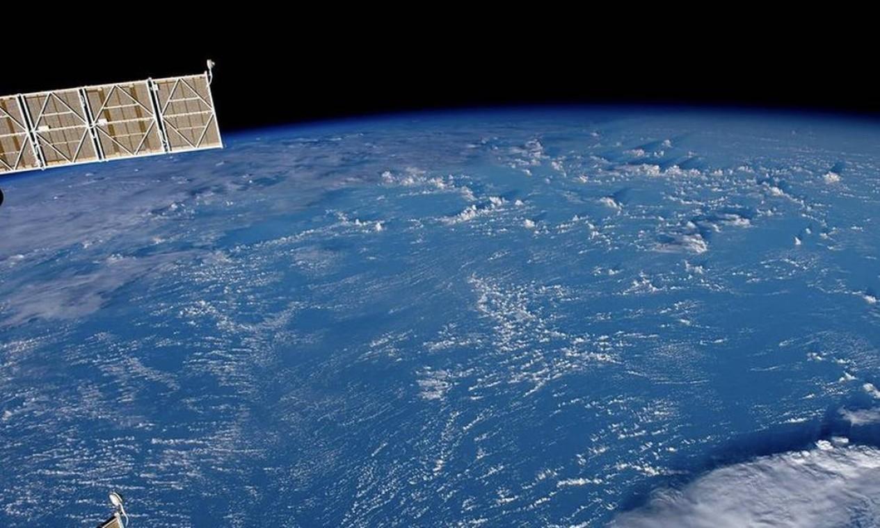 Registro do oceano foi feito pelo astronauta Thomas Pesquet a pedido do Pavilhão do Oceano, do Congresso Mundial de Conservação. Foto: Instagram / @thom_astro