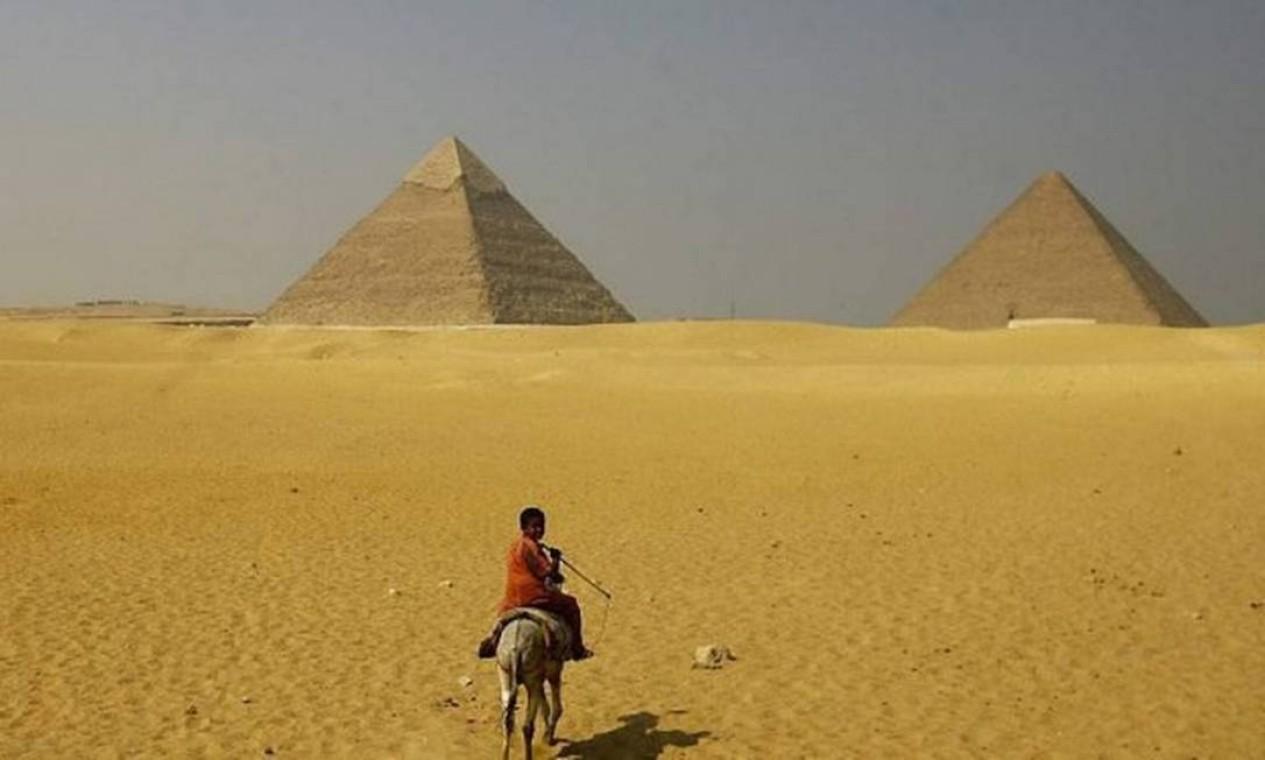 O estudo também revela que as esculturas na Arábia Saudita são mais antigas que as Pirâmides de Gizé, no Egito. Foto: REUTERS