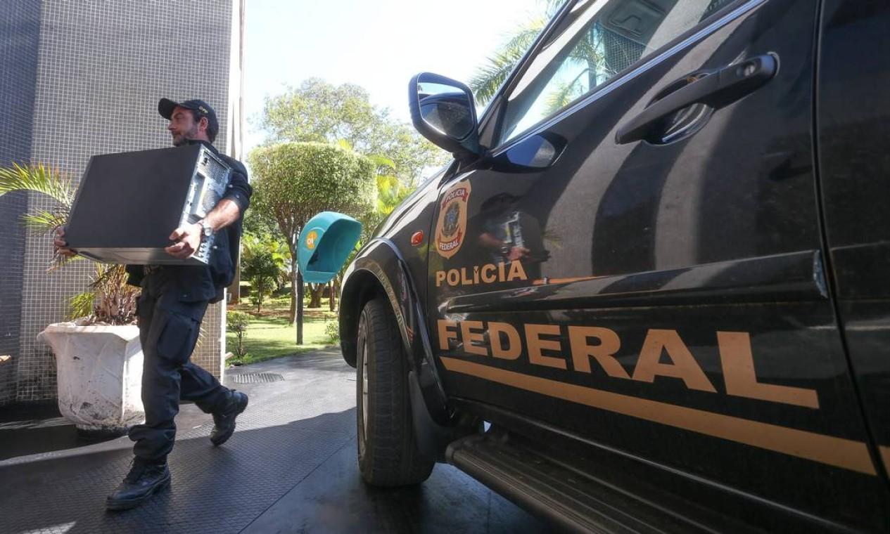 A ação teve como alvos empresários que doaram para partidos políticos na campanha de 2014 Foto: Andre Coelho / Agência O Globo
