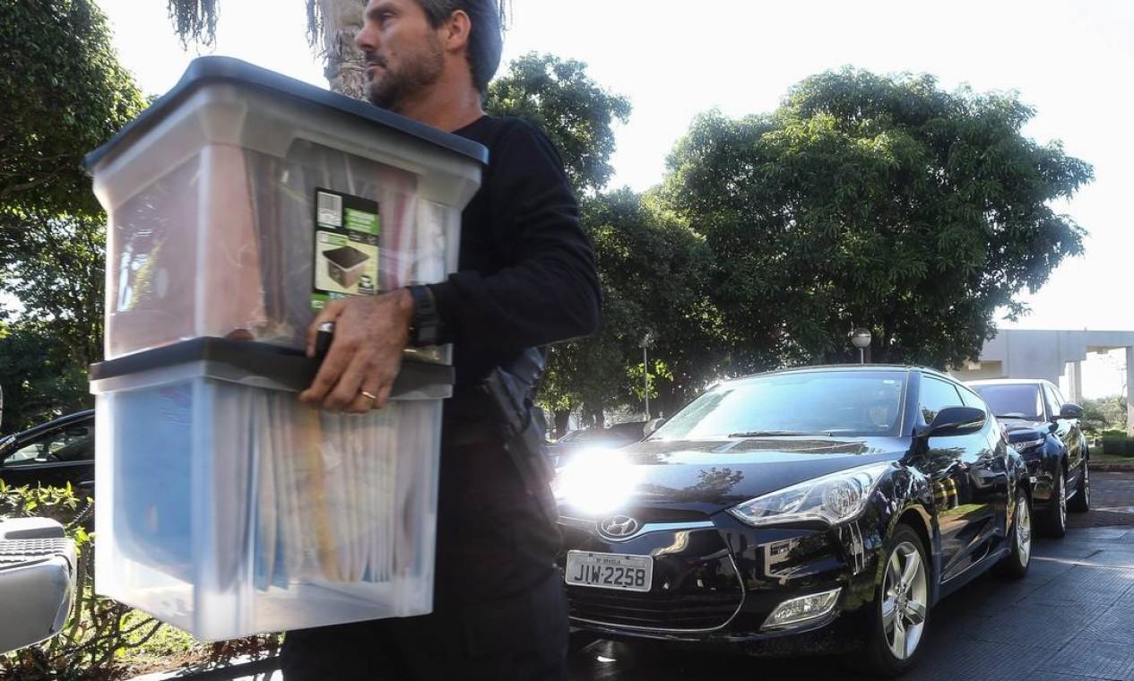 Segundo a PF, 90 mandados de busca e apreensão são cumpridos em Minas Gerais, Rio Grande do Sul, Goiás e Distrito Federal Foto: Andre Coelho / Agência O Globo
