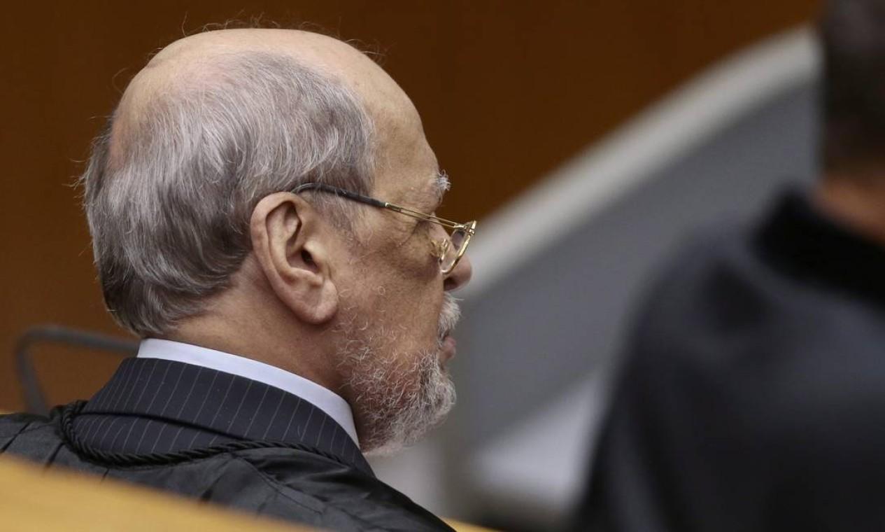 O advogado de defesa, Sepúlveda Foto: Jorge William / Agência O Globo