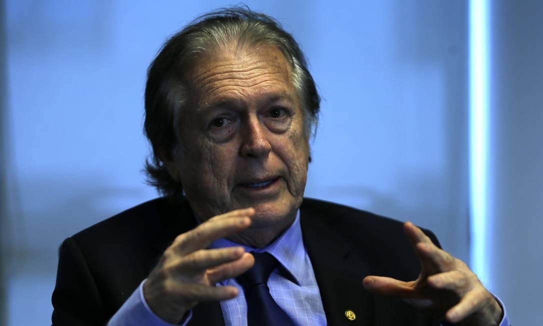 A empresa de Luciano Bivar detém cerca de 1% do consórcio que administra o seguro Foto: Jorge William / Agência O Globo