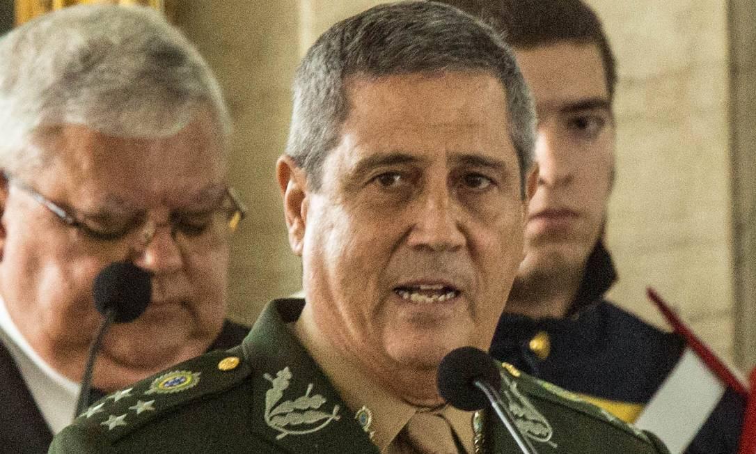 Comandante Walter Souza Braga Netto Foto: Brenno Carvalho / Agência O Globo