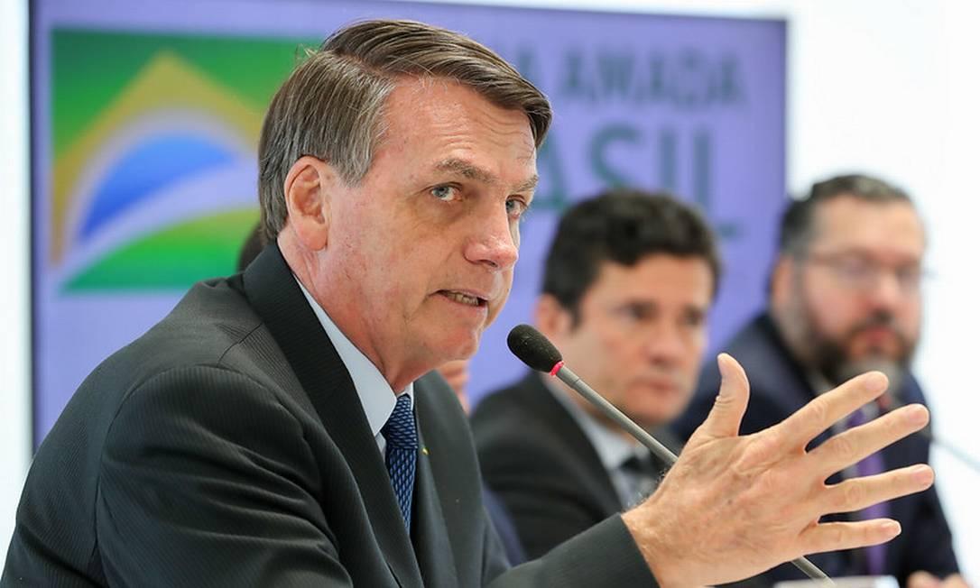 Bolsonaro e Moro em reunião ministerial no dia 22 de abril, que foi citada pelo ex-ministro como prova de interferência do presidente na PF Foto: Marcos Correa / divulgação