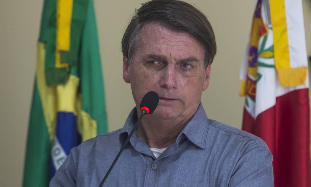 O presidente da República Jair Bolsonaro na apresentação de projeto de ponte sobre o rio Ribeira em Eldorado - SP Foto: Edilson Dantas / Agência O Globo