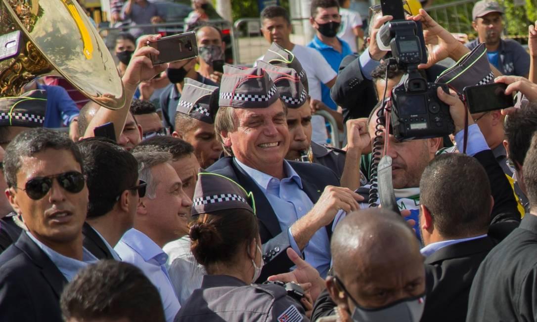 Bolsonaro reinaugura relógio na Companhia de Entrepostos e Armazéns Gerais de São Paulo), na zona oeste da capital paulista Foto: Edilson Dantas/ Agência O Globo