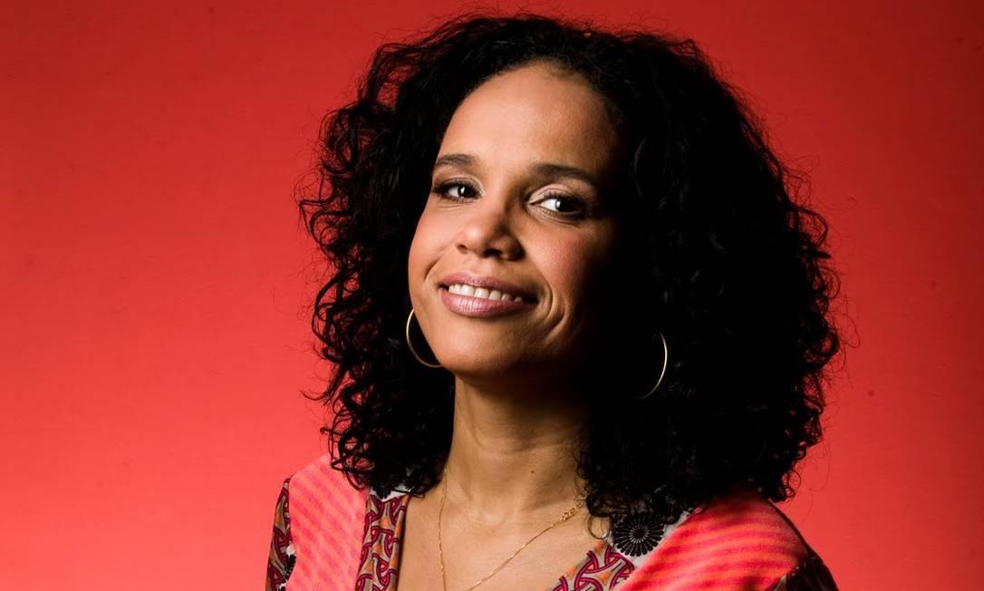 Teresa Cristina brindou o público com um repertório revelador sobre o melhor da música brasileira Foto: Leo Aversa