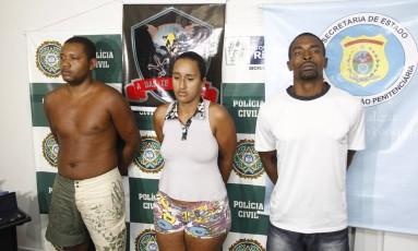 Cristoni, Dayana foram presos em Caxias. Márcio Júlio (à direita) era quem fazia as ligações de dentro do presídio Foto: Thiago Lontra / Agência O Globo