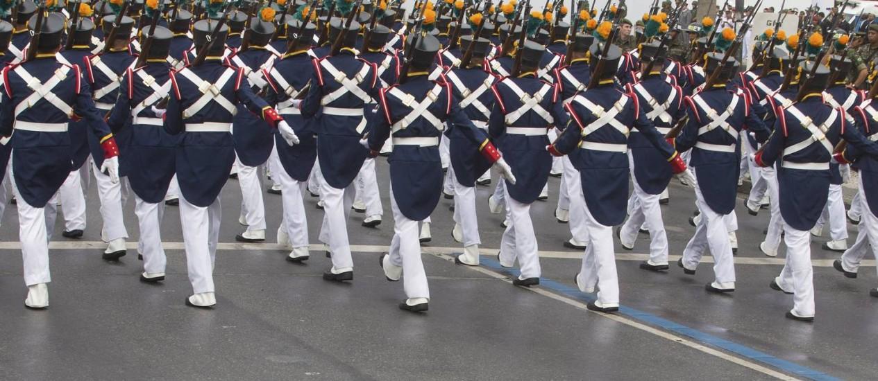 Parada Militar de 7 de setembro. Uniformes históricos no desfile militar. Foto: ANTONIO SCORZA / Agência O Globo