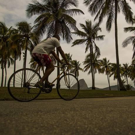 Ciclista no Parque do Flamengo Foto: Guilherme Leporace / Agência O Globo