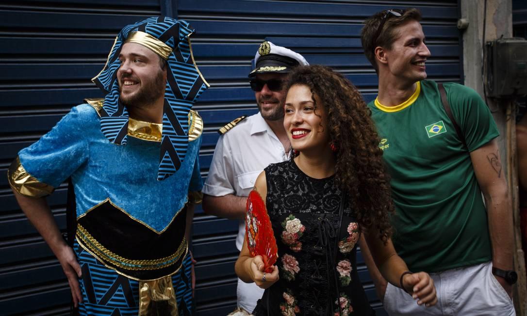 O Prata Preta percorre as ruas da Gamboa, na zona portuária Fernando Lemos / Agência O Globo