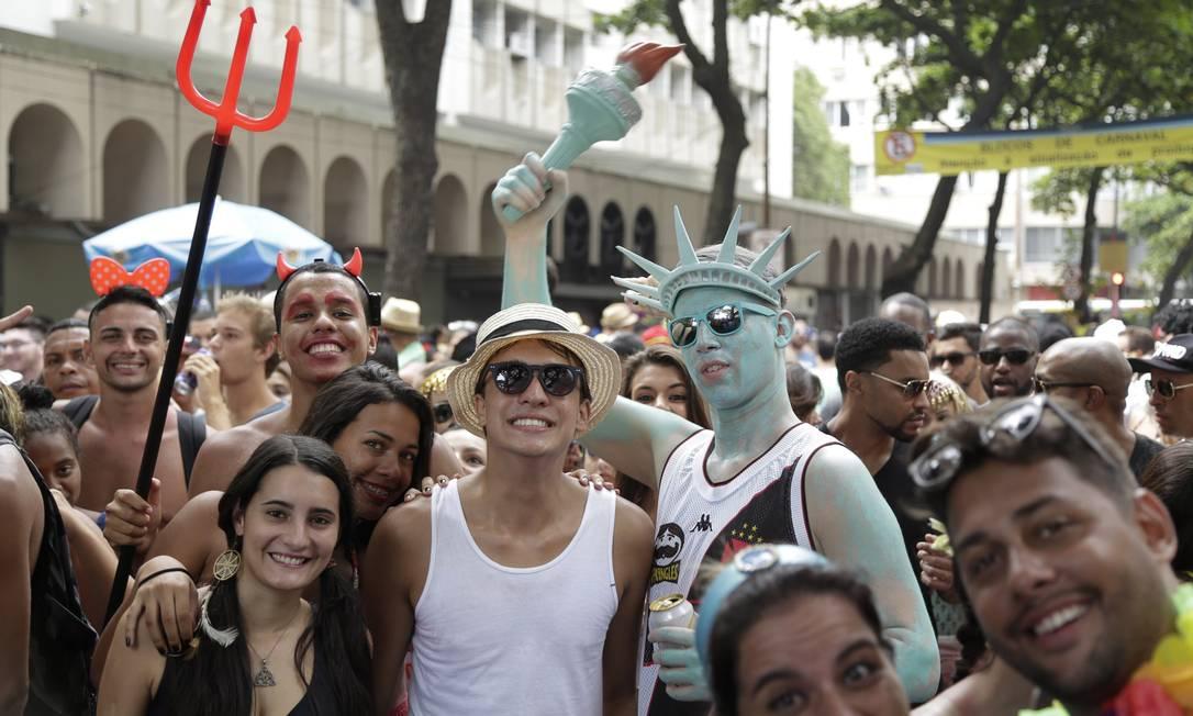 De Nova York para o Rio, a estátua da liberdade vascaína marcou presença no cortejo do Simpatia Leo Martins / O Globo