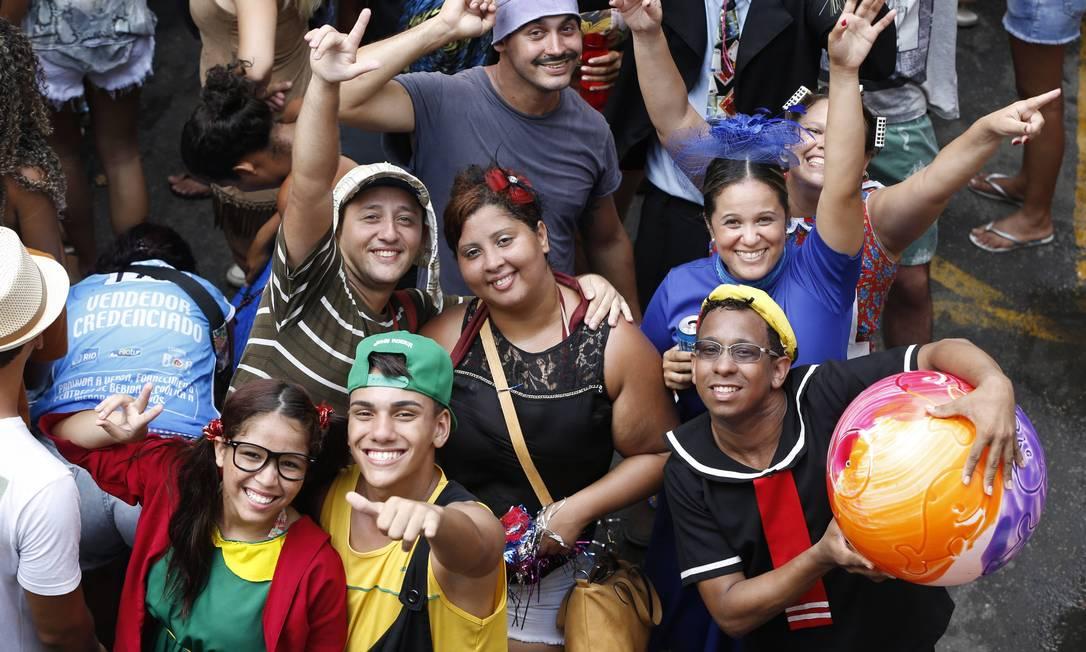 A turma do Chaves mostra toda a sua simpatia no bloco! Domingos Peixoto / Agência O Globo
