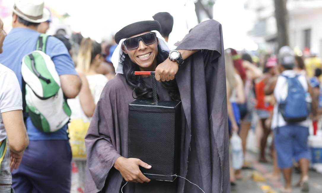 Com mensagem de tolerância, só explode bomba de alegria no Simpatia! Domingos Peixoto / O Globo