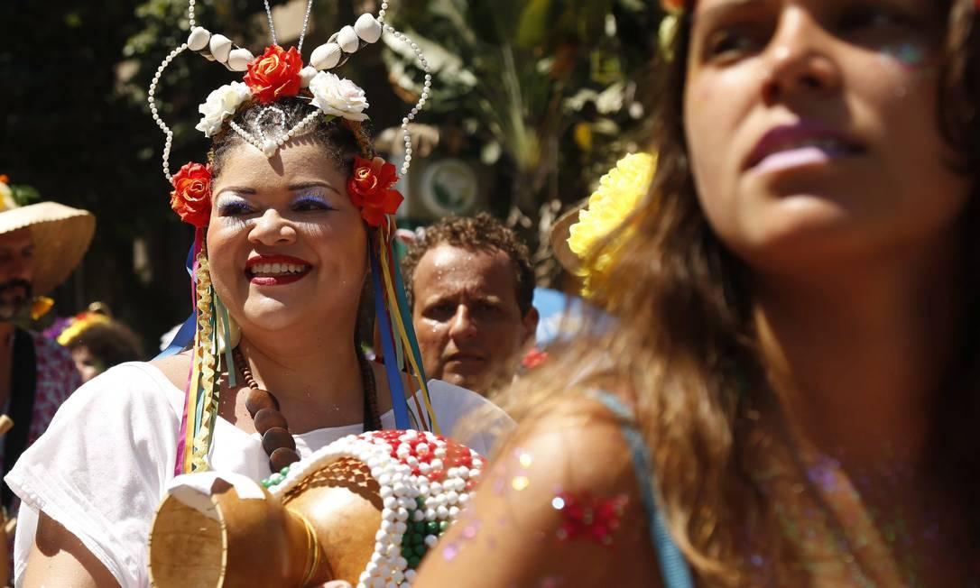 O bloco se reuniu sem ter hora para acabar, seguindo por ruas menos tumultuadas Ana Branco / Agência O Globo