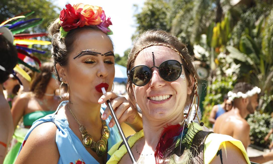 Frida Kahlo, em exposição na Caixa Cultural, marcou sua presença no carnaval de rua Ana Branco / Agência O Globo
