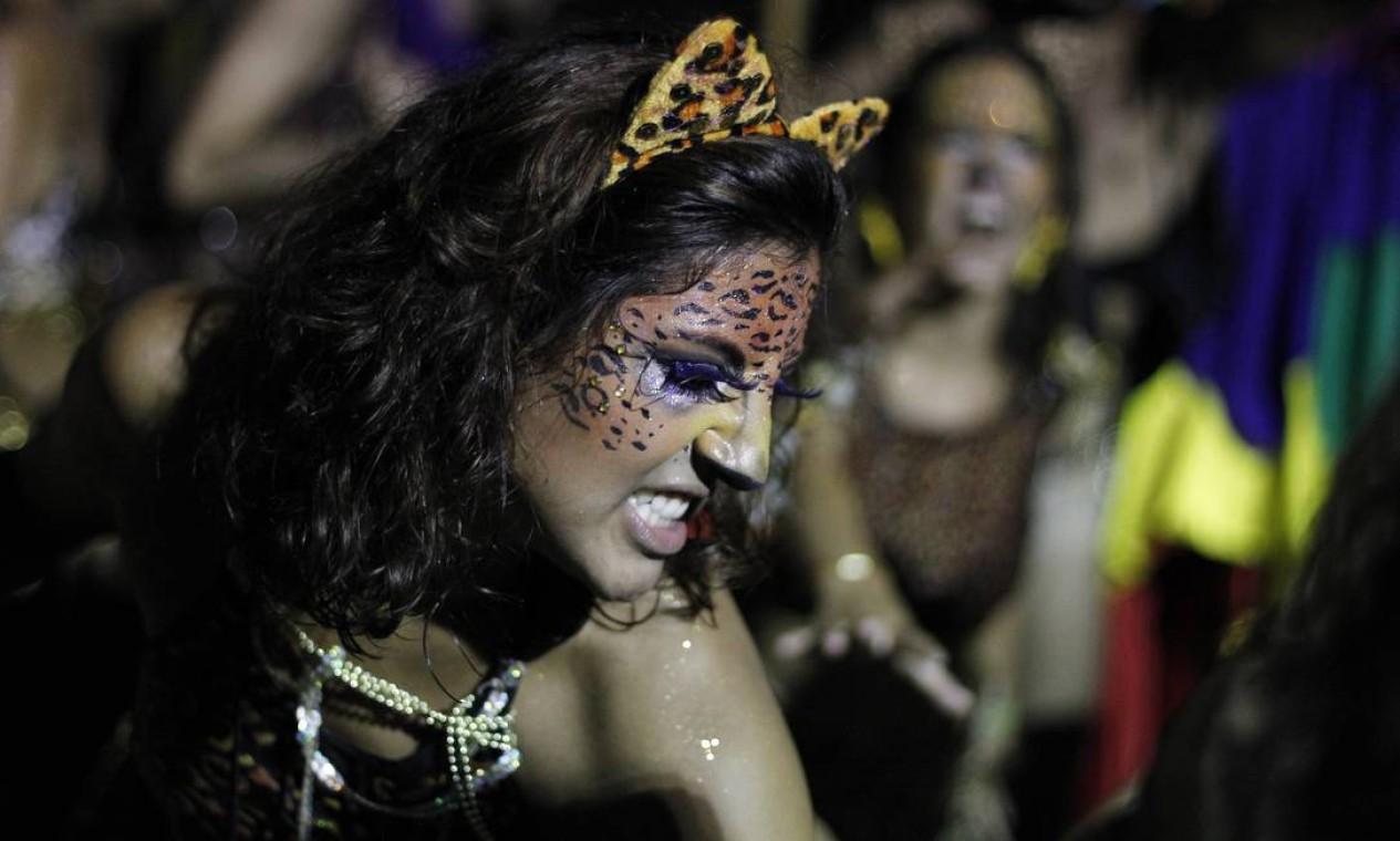 A maquiagem caprichada e cheia de detalhes enfeitou as feras Foto: Pedro Teixeira / Agência O Globo
