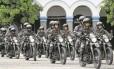Policiais se apresentam durante uma cerimônia no quartel-general da Polícia Militar, no Centro, em janeiro: falta de recursos estaria afetando a rotina dos batalhões da corporação