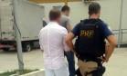 Homem foi encaminhado para a delegacia por agentes da PRF Foto: Divulgação/PRF