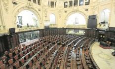O plenário da Assembleia onde público poderá assistir à peça Foto: Gabriel de Paiva