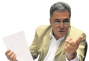O secretário Julio Bueno Foto: Pâmela Oliveira/8-3-2016