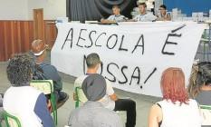 Primeira escola estadual a ser ocupada no Rio, a Mendes de Moraes, na Ilha do Governador, foi palco de embates entre estudantes contra e a favor do movimento. Na semana passada, após quase dois meses, os alunos decidiram liberar o colégio Foto: Márcio Menasce/16-5-2016