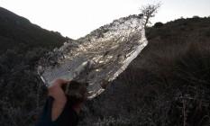 Houve registro também de geada e a vegetação amanheceu com uma fina camada de gelo e lagos da reserva congelados no Parque Nacional de Itatiaia Foto: Divulgação / César Caffé