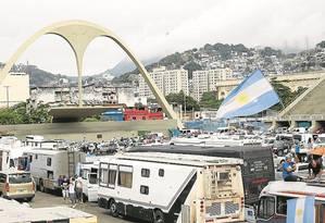 O Sambódromo é usado como área de estacionamento para motorhomes Foto: Pablo Jacob/11-07-2014