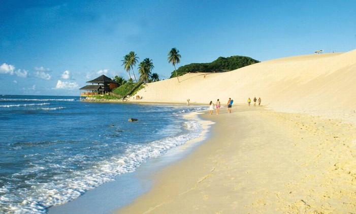 Natal: Uma das atrações da conhecida Cidade do Sol é a bela Praia de Genipabu Foto: Divulgação
