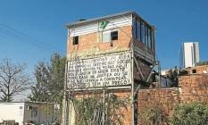 Moradores têm vista para instalações dos Jogos Foto: Daniel Marenco / Agência O Globo