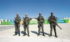 Uma equipe da Força Nacional na Barra Foto: Urbano Erbiste - 24/07/2016 / Agência O Globo